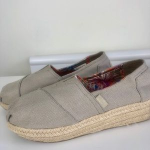 Bobs by Skechers gray espadrille size 6
